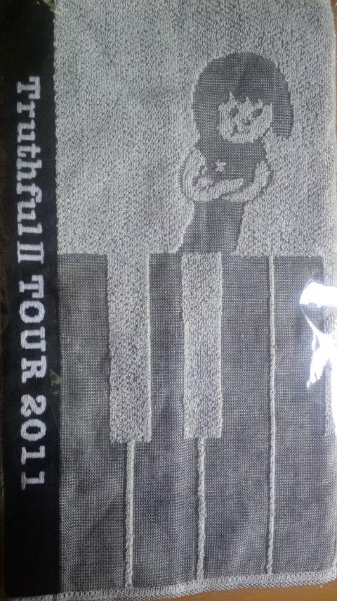 Truthful II TOUR 2011 のタオル