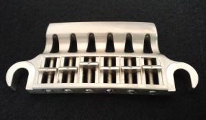 Voxのアルミ製ブリッジ