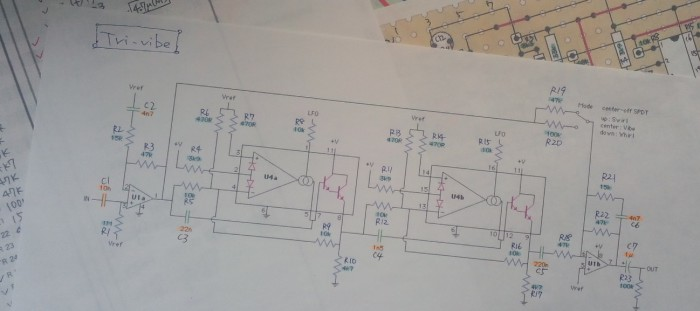 回路図的にはそう複雑でもない
