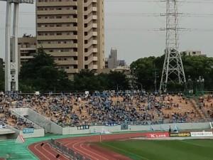 磐田サポ。試合開始には満員でした。